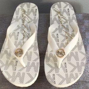 Michael Kors woman's size 7 sandal